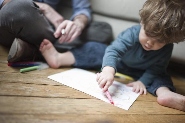 crianca-desenhando-carlos-damasceno-desenhos-realistas-2