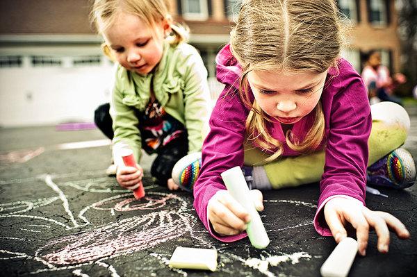 crianca-desenhando-carlos-damasceno-desenhos-realistas-4