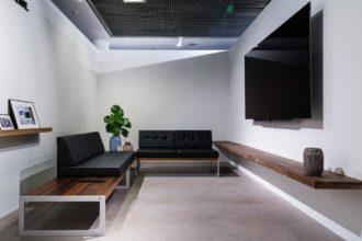 Sala de TV com perspectiva de um ponto
